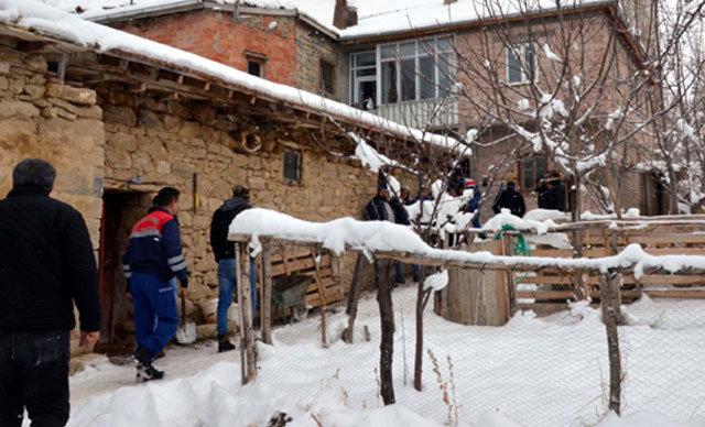 Kayseri'nin Akkışla ilçesinde buz tutan zeminde kayıp düşen Hasan Erdem (59) hayatını kaybetti.