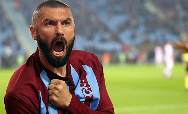 Beşiktaş, Trabzonspor'un golcü futbolcusu Burak Yılmaz'ı kadrosuna kattı.