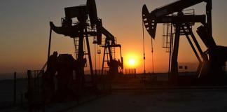Petrol İhraç Eden Ülkeler Örgütü'nün (OPEC) Kasım ayı üretiminde keskin düşüş olduğunu açıklamasıyla petrol fiyatları yükseldi.