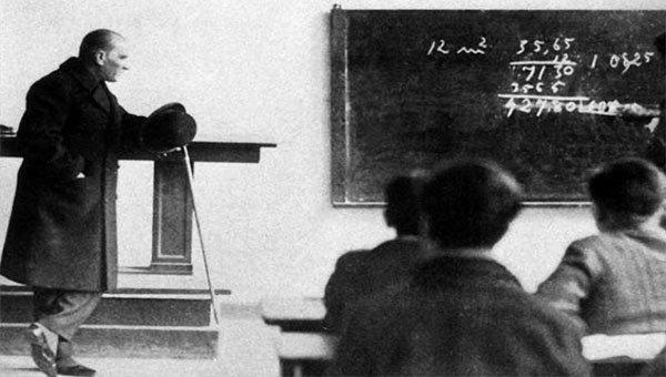 Cumhuriyetle yaşıt olan olan Ankara Lisesi, Atatürk'ün kadınlara ve eğitime verdiği önemin göstergelerinden bir tanesi. Lisenin mezunlar derneği ise bu tarihe sahip çıkmaya çalışıyor.