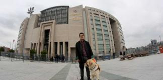 Denizyıldızı Hikayesi: Avukat Mustafa Kesin ile rehber köpek Tabs!