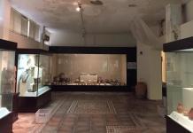 Ankara'nın Polatlı ilçesinde yaklaşık 5 bin yıllık tarihi eserlerin sergilendiği Gordion Müzesi'nin çatısı, yoğun kar yağışının ardından akmaya başladı.
