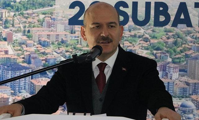 İçişleri Bakanı Süleyman Soylu, Ankara Sakarya Caddesi'nde polis memurunun bir göstericiyi gözaltına alırken taciz ettiği iddialarıyla ilgili,