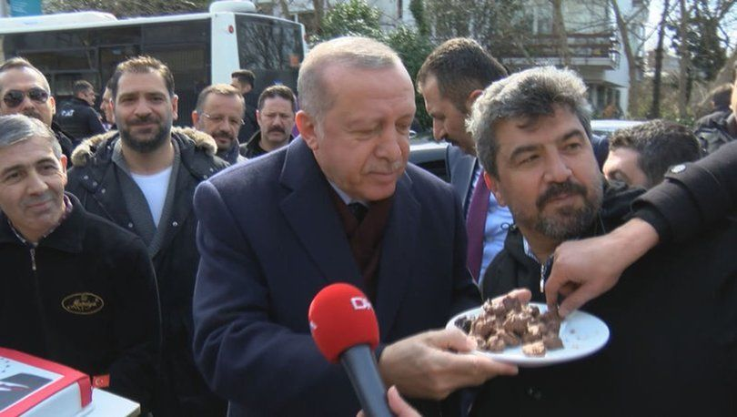 Cumhurbaşkanı Erdoğan'a evinin önünde doğum günü sürprizi