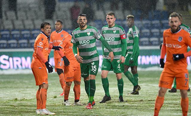 Galibiyete hasret kalan Bursaspor, son haftalardaki düşüşüyle birlikte küme düşme hattına geriledi.