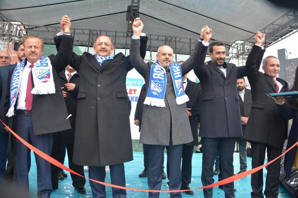 AK Parti Ankara Büyükşehir Belediye Başkan Adayı Mehmet Özhaseki Haymana Belediyesi tarafından yapılan eserlerin toplu açılış törenine katıldı.