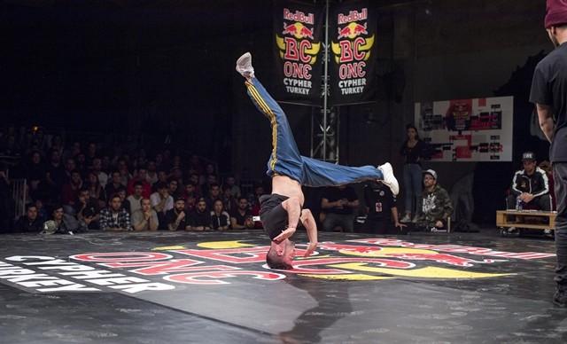 Dünyanın en prestijli breakdans yarışması RedBull BC One'ın Türkiye ayağı bu yıl Ankara'da düzenlenecek.