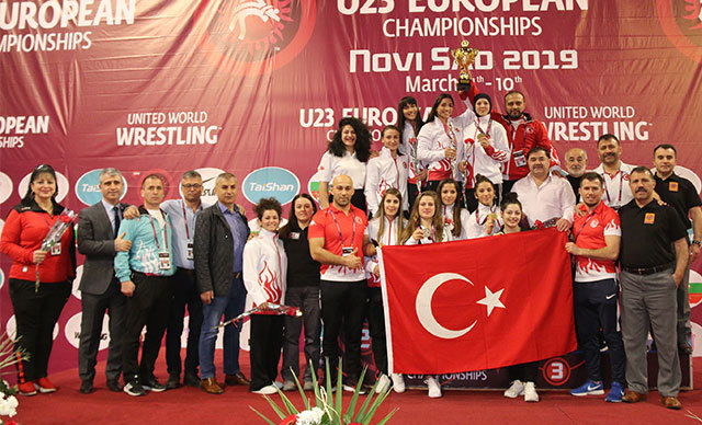 Sırbistan'ın Novi Sad kentinde devam eden U23 Avrupa güreş Şampiyonası'nda Türkiye kadınlar 118 puanla Avrupa 3'üncüsü oldu.