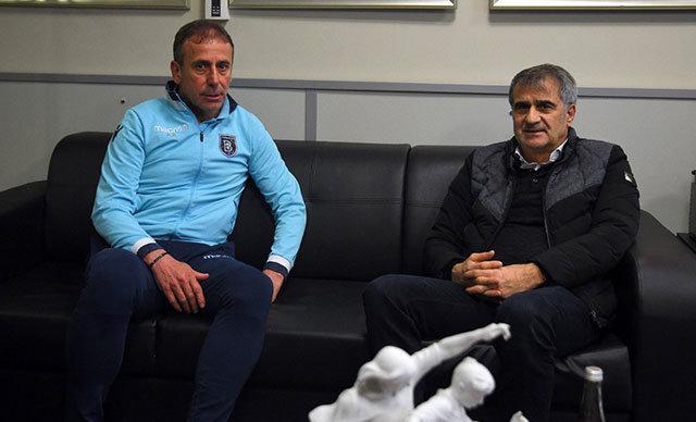 A Milli Futbol Takımı'nın Arnavutluk ve Moldova ile oynayacağı müsabakalarda teknik direktörlük görevini üstlenecek olan Şenol Güneş, Medipol Başakşehir Kulübü'nün ziyaret etti.