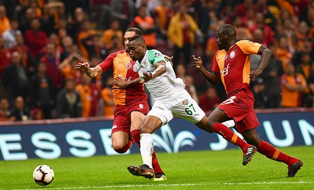 Bursaspor ile Galatasaray, yarınki mücadele ile birlikte Süper Lig'deki 100'üncü randevularına çıkıyor.