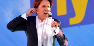 """İYİ Parti Genel Başkanı Meral Akşener, Cumhurbaşkanı Recep Tayyip Erdoğan'a yönelik eleştirilerde bulunarak, """"Tehditler, küfürler, iftiralar gırla gidiyor."""