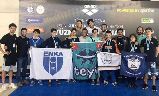 Türkiye Yüzme Federasyonu'nun faaliyet takviminde yer alan 13 Yaş Kadın ve 13-14 Yaş Erkek Bireysel Yıldızlar Arena Türkiye Yüzme Şampiyonası Mersin'de yapıldı.