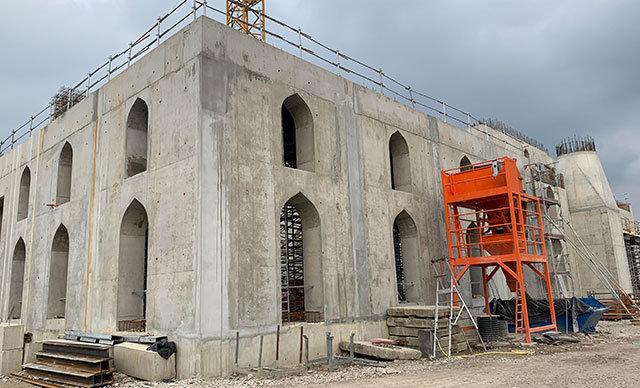 İslam Toplumu Milli Görüş (IGMG) tarafından Fransa'nın Strasburg kentinde inşa edilen cami hizmete açıldığında 5 bin kişi aynı anda ibadet edebilecek.