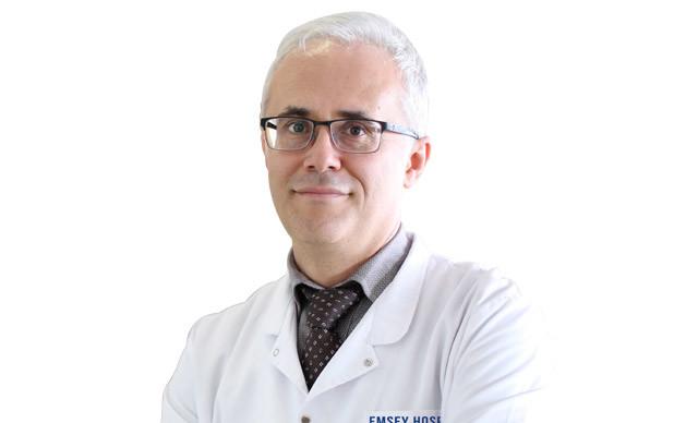 TÜRKİYE'de yaklaşık 6 bin hemofili hastasının tedavisinin yapıldığını söyleyen Çocuk Hematolojisi Uzmanı Prof. Dr. Birol Baytan, hafif çarpmalarda bile oluşan morlukların hemofili habercisi olabileceğini belirtti.