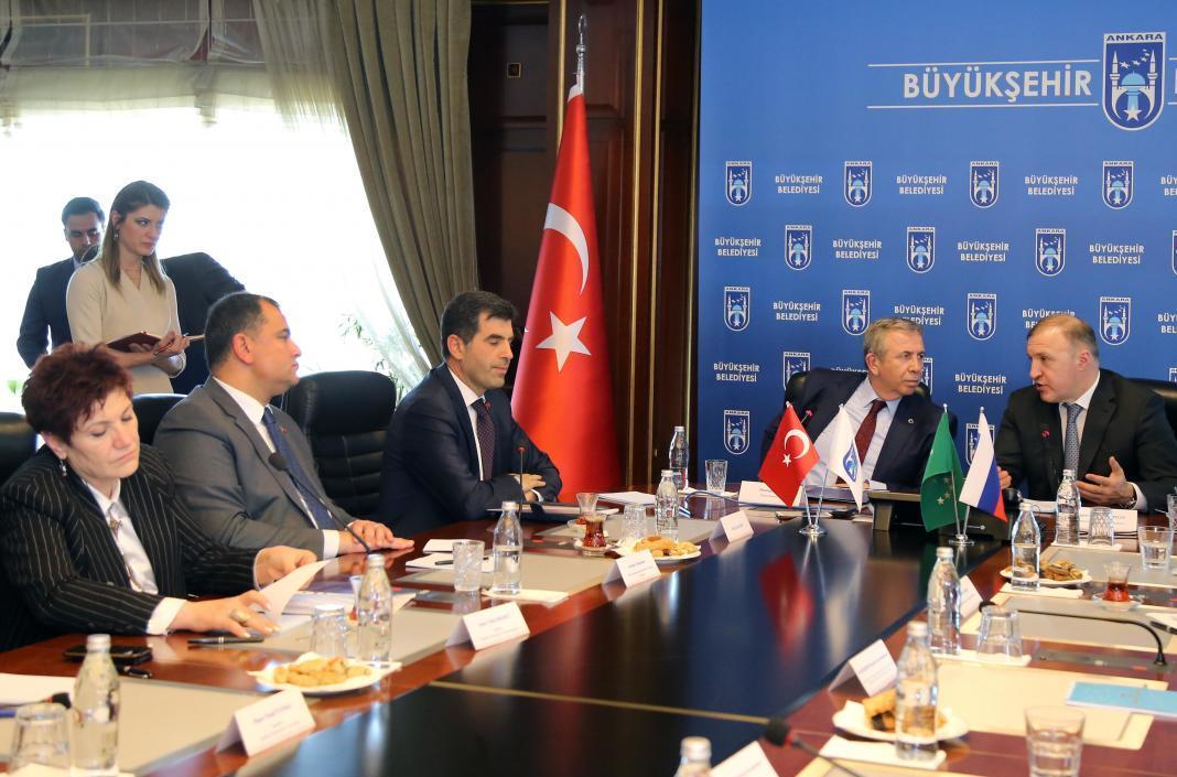 Çankaya Belediye Başkanı Alper Taşdelen, Adıgey Özerk Cumhuriyeti Başkenti Maykop Meclis Başkanı Azet Djarimok ve beraberindeki heyeti makamında ağırladı.