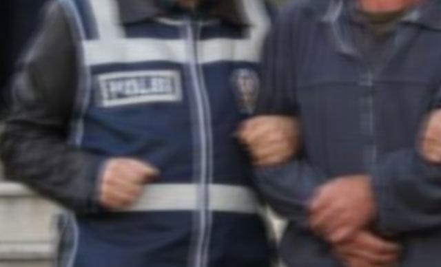 Ankara Cumhuriyet Başsavcılığı'nca, Türk Silahlı Kuvvetleri'ndeki kripto FETÖ/PDY üyelerinin tespiti için yürütülen'Ankesörlü telefon soruşturması' kapsamında, Kara Kuvvetleri Komutanlığı'nda 35'i aktif görevde 50 astsubay hakkında gözaltı kararı verildi.