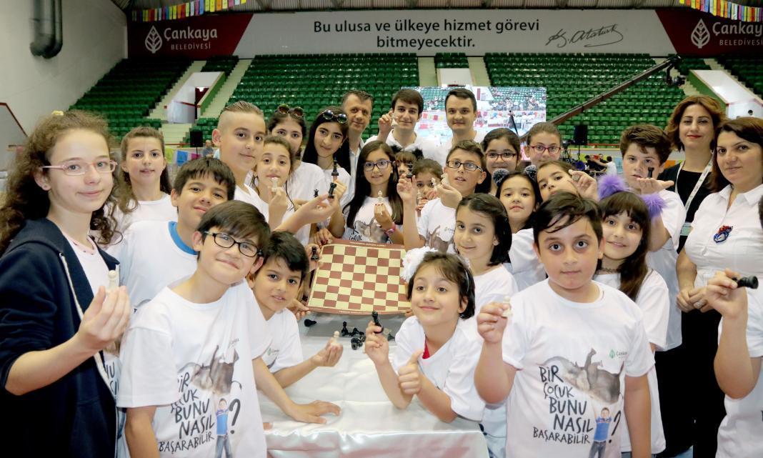 Çankaya Belediyesi'nin bu yıl ikincisini düzenlediği Çankaya Evleri Çocuk Satranç Turnuvası, 220 öğrencinin katılımıyla 13-14 Nisan 2019 tarihlerinde yapılacak.