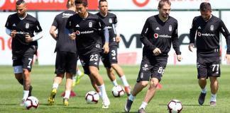 Beşiktaş, Spor Toto Süper Lig'in 31. haftasında Galatasaray ile deplasmanda oynayacağı maçın hazırlıklarına bu sabah yaptığı antrenmanla devam etti.