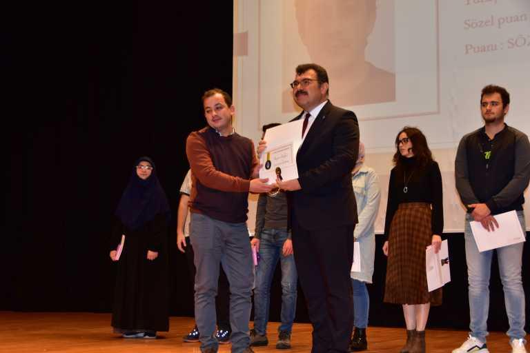 TÜBİTAK Başkanı Mandal, üniversitede ders verdi