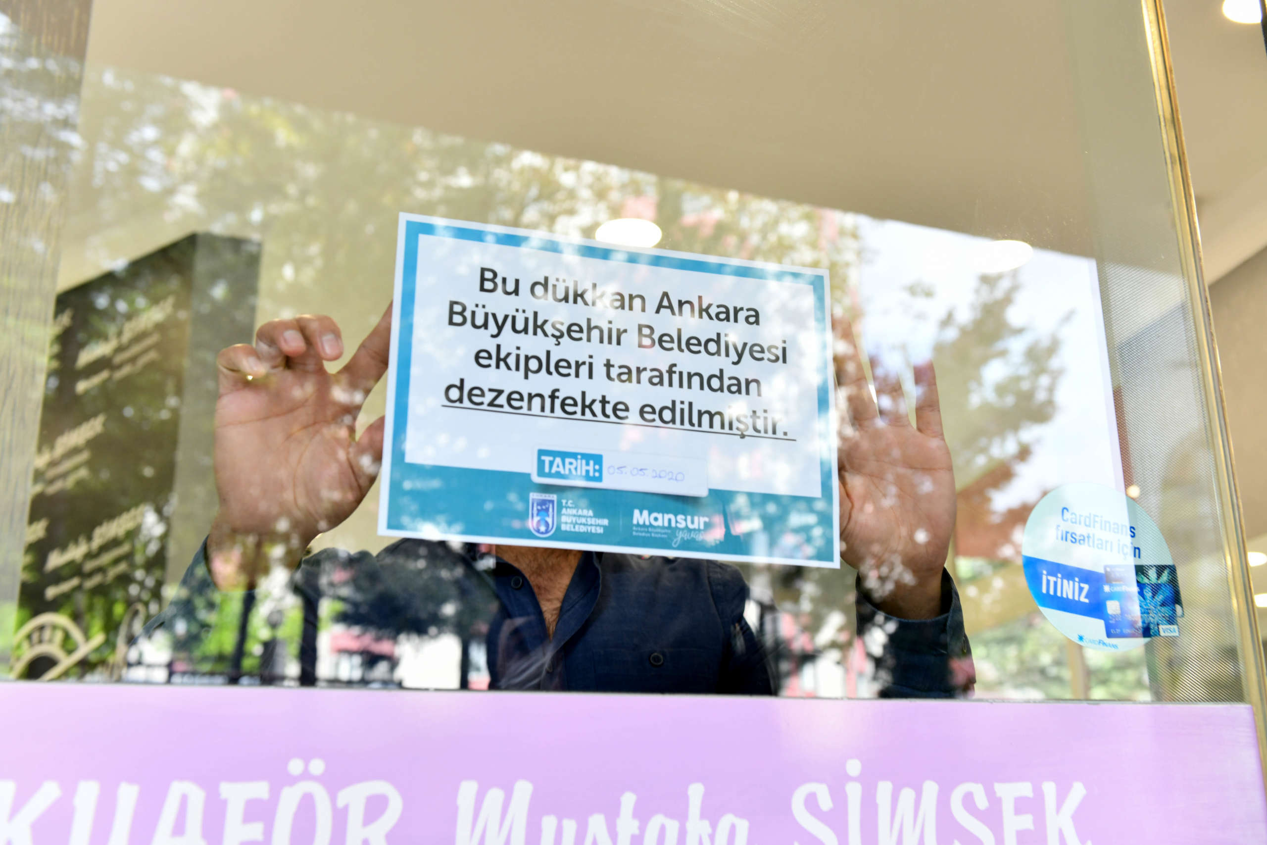 Başkan Yavaş'tan berber ve kuaförlere hijyen desteği • Sonsöz Gazetesi